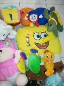 Pelbagai anak patung mainan