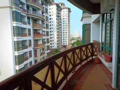 MAHKOTA HOTEL RESORT CONDO (Studio type-Large Balcony + Pool view)