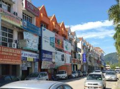 3-storey shoplot for sale (owner migrate, great deal to let go)