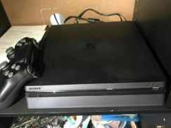 Ps4 slim 500gb with 2game warranty till 2019