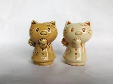 Cat Design Pepper Shaker bottle a pair