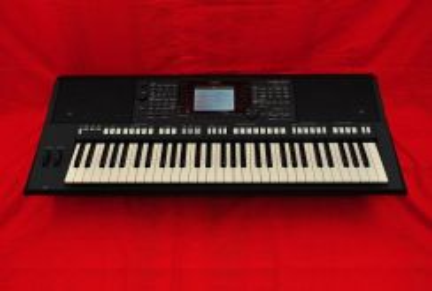 YAMAHA S750 MIDI Workstation Keyboard LIKE NEW