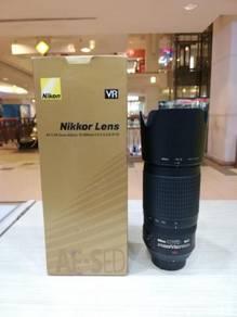 Nikon af-s 70-300mm f4.5-5.6g ed vr lens-99.9% new