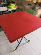 Square fold-able table for sales