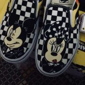 Vans classic slip on (mickey&minnie;)