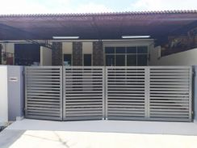 Fully renovated facing padang taman ria