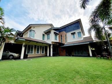 SPACIOUS LAND CORNER Semi Detached House Impian Putra Bangi