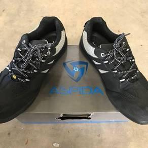 BATA & ASPIDA ESD safety boot