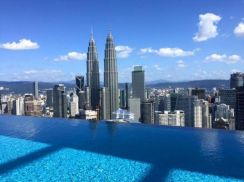 The Face Suite KLCC - Infinity Pool View Fully Furnished