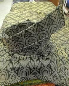 Tanjak pengantin hitam sulam emas (tanjak moden)