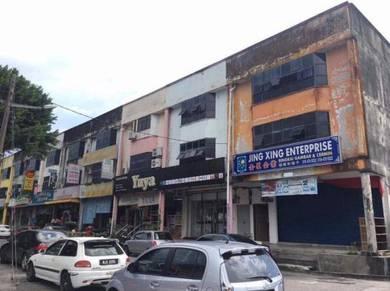 Good location shop lot for rent