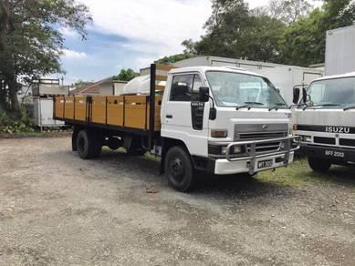 Daihatsu Delta V116 3 Ton 17.5 Kaki Kayu Lorry