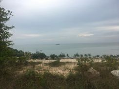 Sea view land pantai minyak beku batu pahat