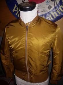 Flight jacket uniqlp reversible