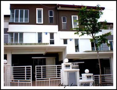 Original Condition house Lower Unit 1600sf D'Alpinia Puchong