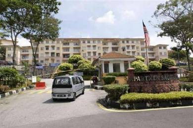 NICE UNIT Level 4 - Saujana Apartment - Walk up
