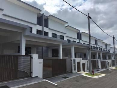 """""""BIG SIZE"""" Gate&Guarded Double Storey Bkt Katil Ayer Keroh Melaka"""