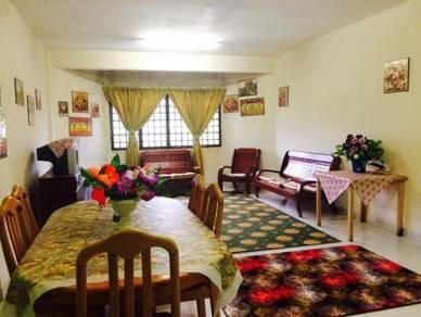 Muslim Ground Floor Holiday Apartment