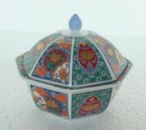 Offer-Antiques Chinese Porcelain Bowls