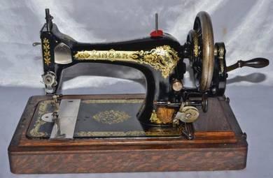 England singer mechanical handcrank sewing machine