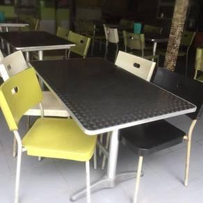Meja Dan Kerusi Satu Set(Produk Ikea)