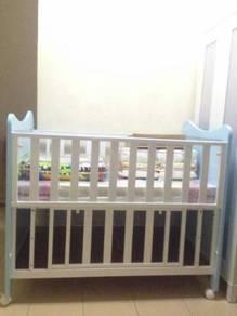 Katil bayi ( baby cot )