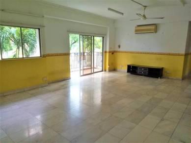 Pelita Indah, town area condominium, (3+2 Bedrooms)