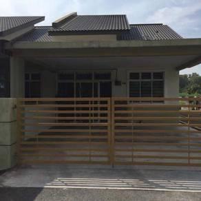 Rumah Di Taman Desa Bidara