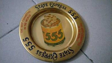 Vintage ashtray STATE EXPRESS 555 lama