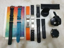Samsung Gear Sports ( Full Set and Extra Straps)