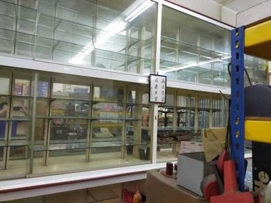 7-story Glass Cabinet with drawers at the bottom