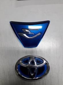Toyota estima emblem hybrid