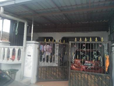 HOUSE FOR SALE at TAMAn University,Johor