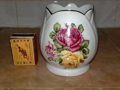 Pasu Floral vase