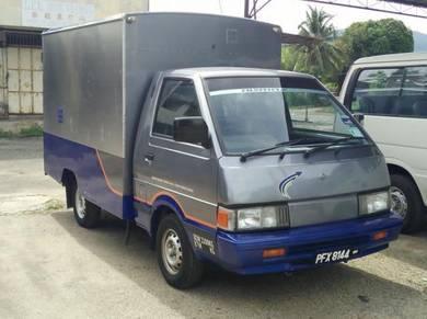Nissan C22 box Van yr2004