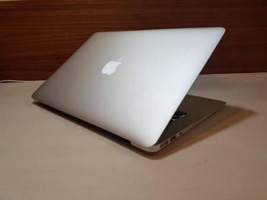 Macbook Air 13 ,2014 Model (95% New)