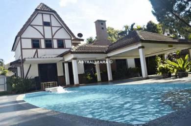 A Famosa Villa Resort 4 Bedroom Swim Pool BBQ (02)