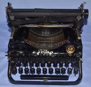 Erika germany fold-able mechanical typewriter