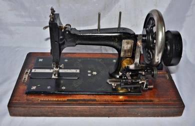 Frister & rossmann mechanical sewing MACHINE