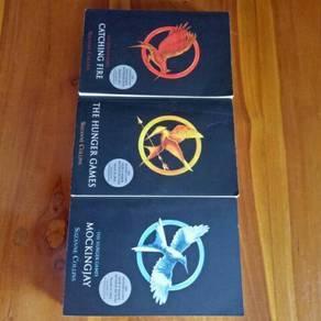 Suzanne Collins Books 📚