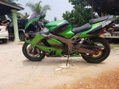 Kawasaki ZX9r running condition
