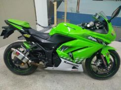 Kawasaki ninja250r se tahun 2011