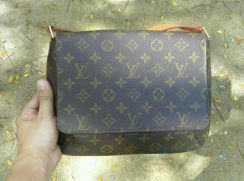 Lv musette tango for sale