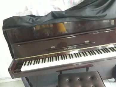 Piano 4sale.
