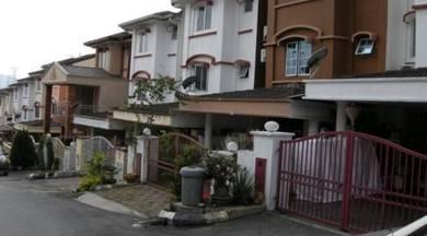(R1132) Triple Storey Terrace House for Rent (Batu Caves)