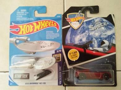 Hotwheel Startrek & Tesla orbit the moon