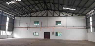 Factory Warehouse in Bukit Kemuning for RENT