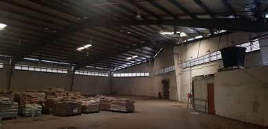 Bungalow factory warehouse in Bukit Kemuning for rent