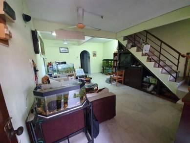Ipoh pekan razaki good condition double storey house for sale