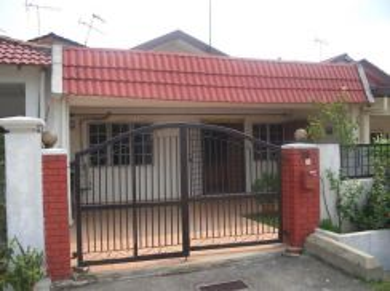 Subang jaya ss12 1.5 story house facing NPE highway